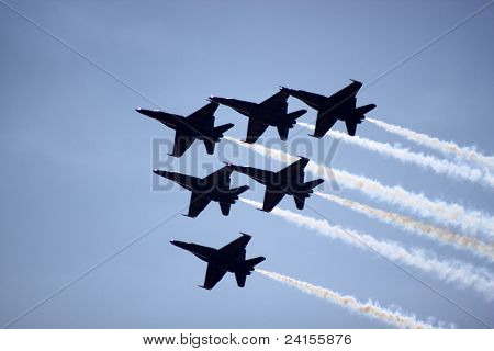Blue Angels 6 plane formation