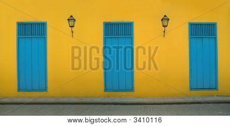 Old Havana Facada