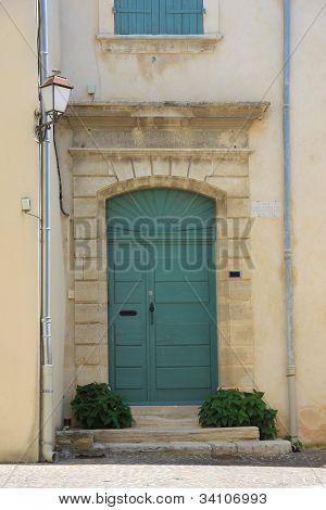Frontdoor In France