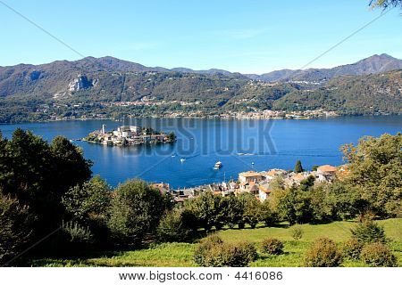 Orta San Giulio Island And Lake   Version 2