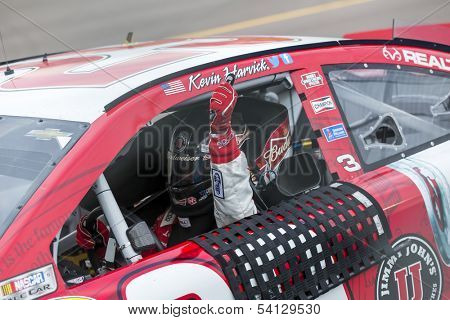 Avondale, AZ - Nov 10, 2013: Kevin Harvick (29) makes his way back into victory lane, winning the AdvoCare 500 race at the Phoenix International Raceway in Avondale, AZ on Nov 10, 2013.