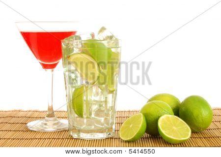 Cocktail de verde e vermelho