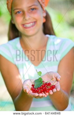 Girl with redcurrant.