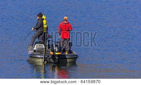 People at Lake Kawaguchiko