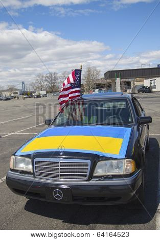 Ukraine supporter car in Brooklyn