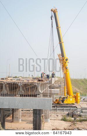 Mounting of bridge span