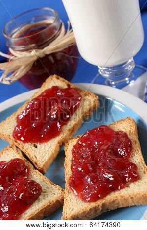 Toast with jam fruit