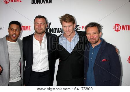 LOS ANGELES - APR 28:  Pooch Hall, Liev Schreiber, Dash Mihok, Eddie Marsan at the