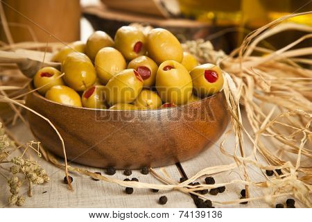 Green olives with olive oil