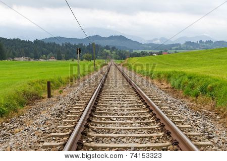 Long railroad