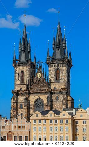 Beautiful gothic St. Vitus' Cathedral on Prague Castle with blue Sky