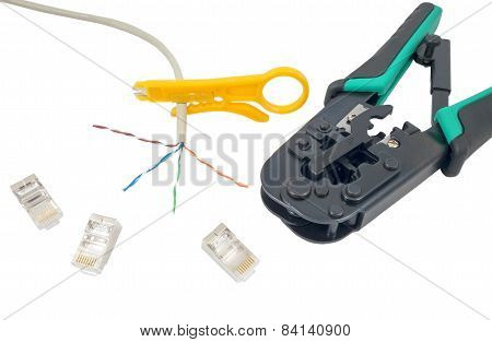 Crimping Tool With A Network Cable Isolated