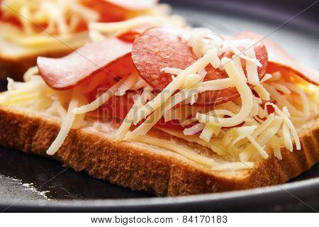 Cooking hot sandwich