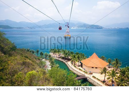 One of the world's longest cable car, Vietnam