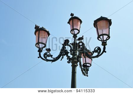 Streetlamp From Below