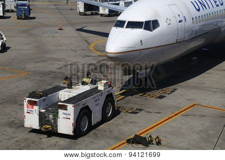 Aircraft Movers