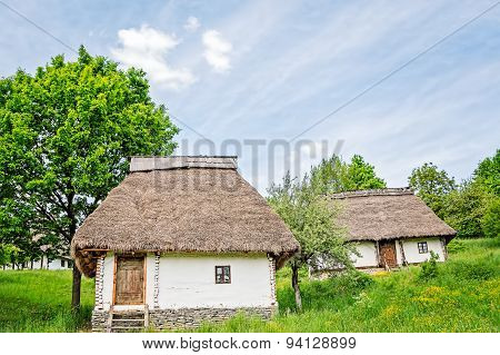 Old White Houses With Thatched Roofs