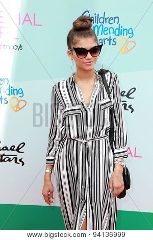 LOS ANGELES - JUN 14:  Zendaya Coleman at the Children Mending Heart's 7th Annual Empathy Rocks Fundraiser at the Private Location on June 14, 2015 in Malibu, CA