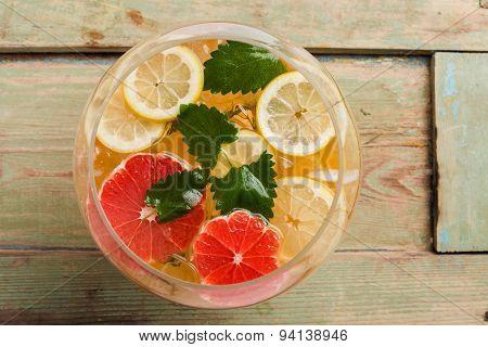 Grapefruit Detox Water