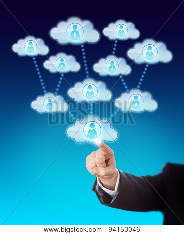 Accessing The Support Of Many Workers In The Cloud