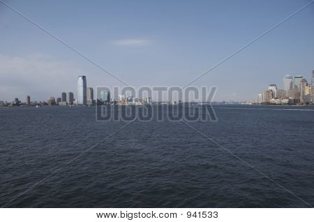 Río Hudson entre Manhattan y Nueva Jersey