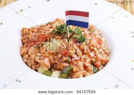 Macaroni With Tomato Chicken Sauce