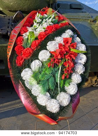 Wreath at the monument to warriors-tankmen in Kubinka