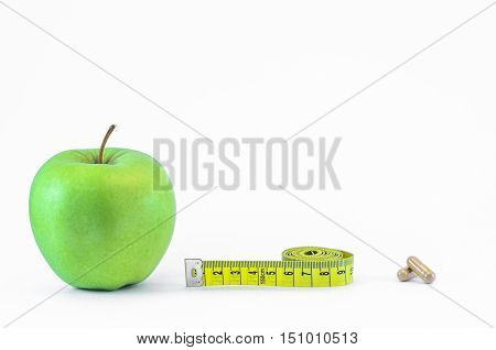 Green apple compare with artificial additives to food