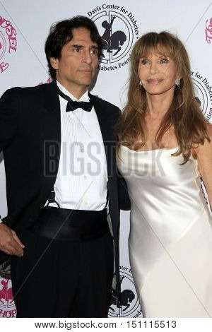 LOS ANGELES - OCT 8:  Vincent Spano, Ann Turkel at the 2016 Carousel Of Hope Ball at the Beverly Hilton Hotel on October 8, 2016 in Beverly Hills, CA