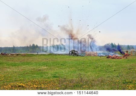 Reconstruction of the battle of World War II. A cannonon exsplosion background