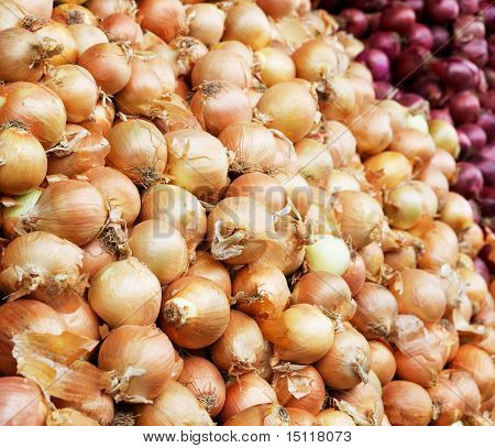Yellow And Red Onion Pile