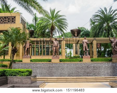 SINGAPORE, REPUBLIC OF SINGAPORE - JANUARY 10, 2014: Parkview Square is a landmark building in Singapore. In the courtyard there are statues of the Sun Yat-Sen, Churchill, Lincoln and Platon