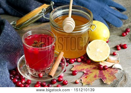 Cranberry tea, honey and lemon products to Strengthen immunity