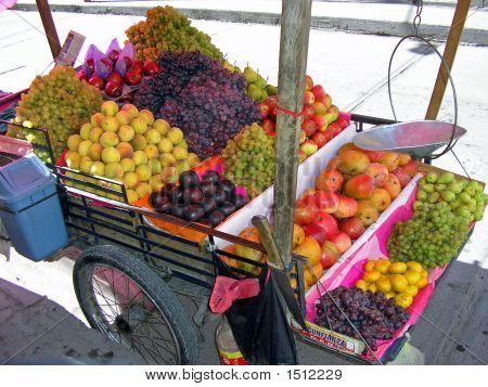 Fruit Stand Qosqo Peru