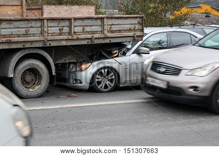 crash on the road due to insufficient distance