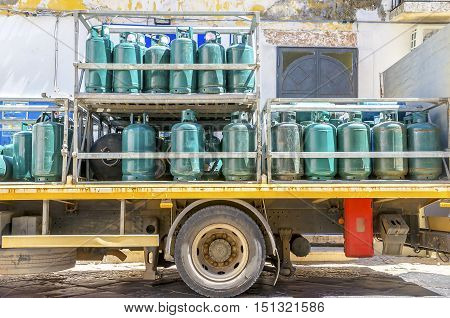 Gas cylinders transport and storage truck wheel