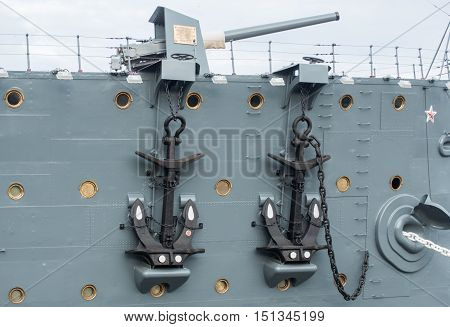Anchors and the bow guns of the cruiser Aurora