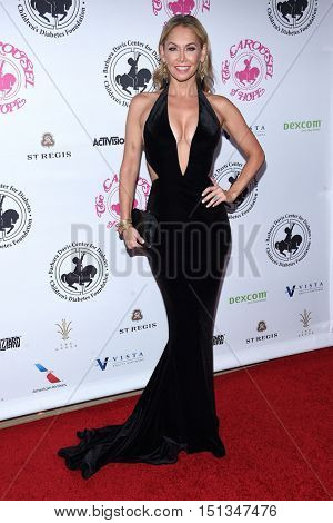 LOS ANGELES - OCT 8:  Kym Johnson arrives to the Carousel of Hope 2016 on October 8, 2016 in Hollywood, CA