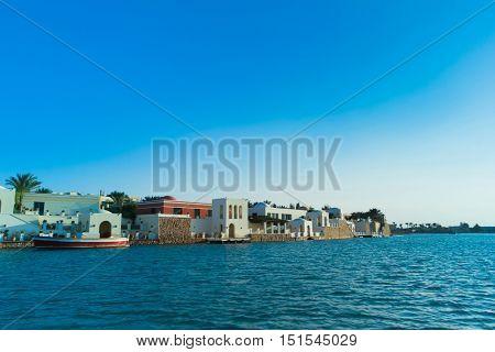 Warm Sea Island