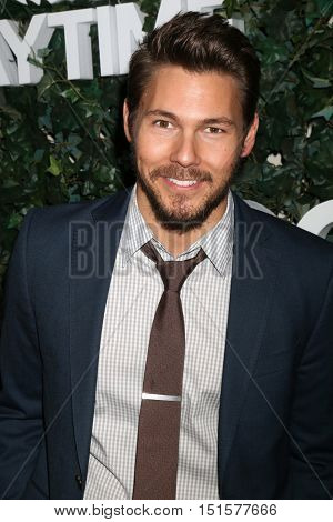 LOS ANGELES - OCT 10:  Scott Clifton at the CBS Daytime #1 for 30 Years Exhibit Reception at the Paley Center For Media on October 10, 2016 in Beverly Hills, CA