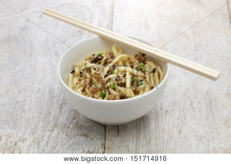 dan dan noodles, chinese sichuan cuisine, after mixed