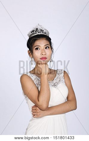 Pretty Chinese Bride thinking