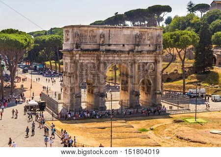 ROME - AUGUST 26: Looking towards the Arch of Constantine on August 26 2016 in Rome