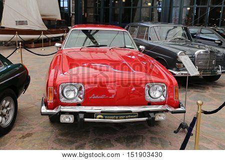 1976 Studebaker Avanti Ii
