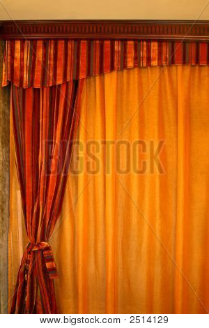 Curtain Vertical
