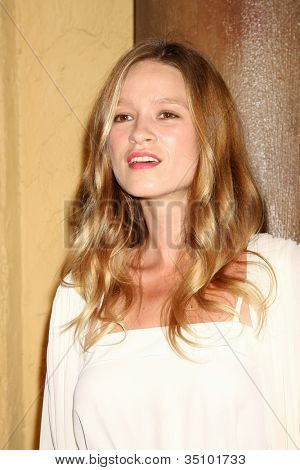 LOS ANGELES - SEP 6:  Amy Ferguson arriving at the