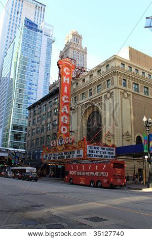 Chicago Theater And Tour Bus