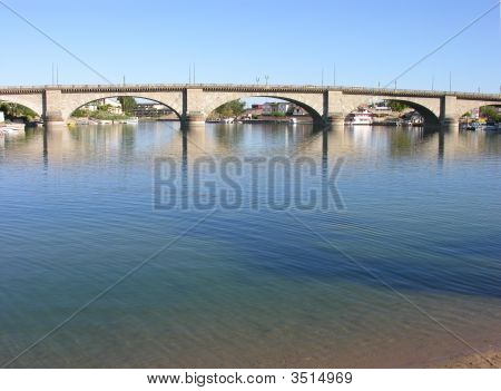 London Bridge, Az