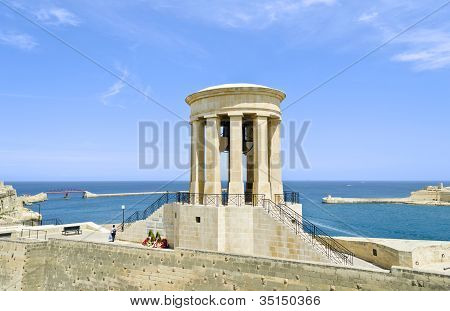 Memorial de guerra de Bell de cerco em Valletta
