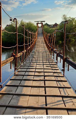 Pendant Bridge